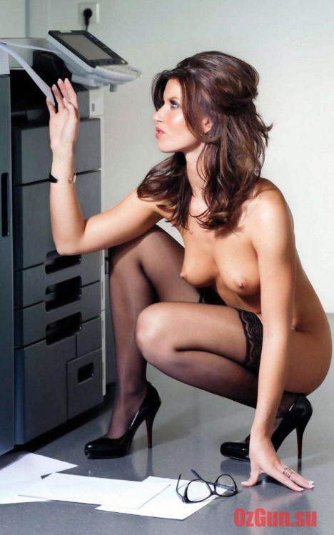 секретарши фото чулки ню